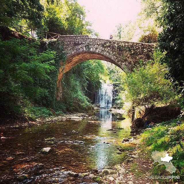 Montella ponte della lavandaia fotonigel paesaggi for Piani di fondazione del ponte